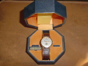 【送料無料】vintage bulova mens wrist watch manual wind cal 11bl basketball