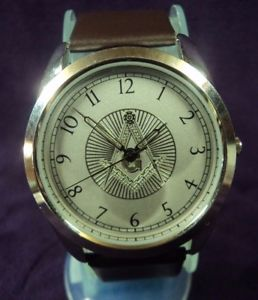 【送料無料】serviced near mint~41mm masonic mens quartz watch~ strap amp; battery
