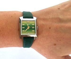 vintage oris 672 kif swiss classy wrist watch 17 jewels green strap runs
