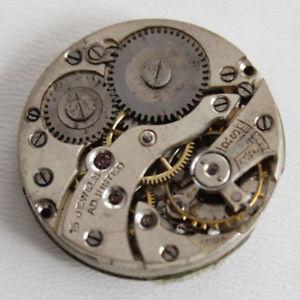 【送料無料】mcanisme de montre mcanique ancienne 23,5 mm, balancier ok 15 rubis f3808