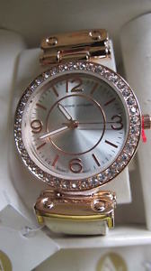 【送料無料】beautiful adrienne vittadini rose gold crystal edged watch bnib valentine