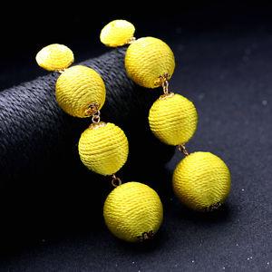 【送料無料】ピアス ボールスタッドピアス ファッションゴールデンイエローウールロングトレーラohrringe mode gestt golden gelb wollknuel 4 kugel lange anhnger original x20