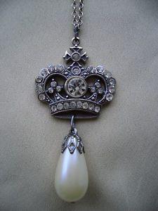【送料無料】ピアス ネックレスペンダントfiligran krone mit strass und perle, kettenanhnger 1482