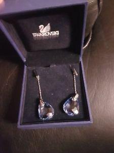 【送料無料】ピアス スワロフスキーパラレルピアス ネックレスswarovski paralle long ohrringe original earrings