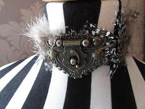 【送料無料】ネックレス ギニアギニアクラスプゴシックハロウィーンペンguine pintade plume ras du cou avec cuivre clasp gothiquehalloweensteampunk