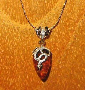 【送料無料】ネックレス ロシアペンダントネックレススワロフスキークリスタルオレンジエナメルアンプoeuf pendentif russe authentique collier swarovski cristaux maill ambre amp;