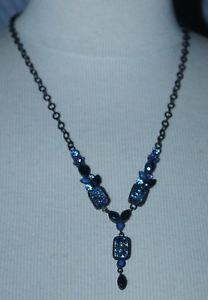 【送料無料】ネックレス collier ras de cou une ligne en mtal noir et cristaux