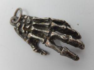 【送料無料】ネックレス ペンダントゴシックシルバースケルトンpendentif en mtal argent gothique ,main de squelette