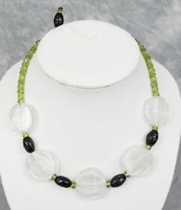 【送料無料】ネックレス ヴィンテージガラスビーズアクセサリーvintage noir vert verre transparent collier de perles costume bijoux annes 1950