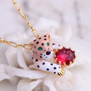 【送料無料】ネックレス エンドクランプcollier fin pendantif panthere leopard email blanc cristal rouge artisannal l7