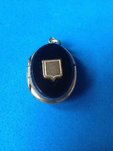 【送料無料】ネックレス オニキスancien pendentif onyx amp; plaqu or mourning pendant
