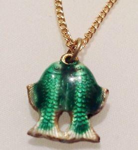 【送料無料】ネックレス ダブルクランプpendentif annee 70 collier double poisson email cloisonne vert r
