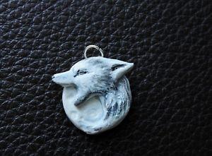 【送料無料】ネックレス pendentif loup hurlant la lune