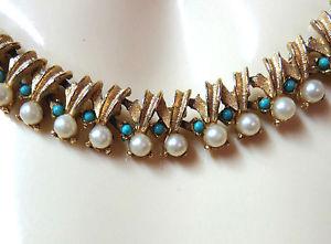 【送料無料】ネックレス クランプメタルドールビーズミニカボションターコイズj139 collier metal dore, perles, mini cabochons couleur turquoise