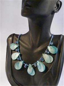 【送料無料】ネックレス ガラスビーズネックレスfait la main bleu turquoise coque et perle en verre collier cg1897