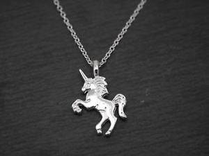 【送料無料】ネックレス ユニコーンカラーmagnifique collier avec licorne pendentif unicorne cheval argent