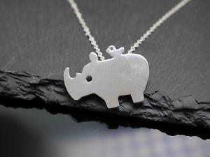 【送料無料】ネックレス サイカバカラーmagnifique collier avec rhino pendentif rhino hippo argent
