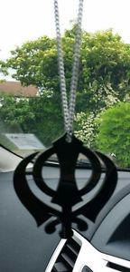 【送料無料】ネックレス アクリルパンジャブシークペンダントミラーリアgrand format noir acrylique khanda punjabi sikh pendentif voiture arrire miroir