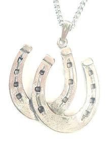 【送料無料】ネックレス ホースシューイギリスペンダントfer cheval pendentif fabriqu la main en tain massif au royaumeuni