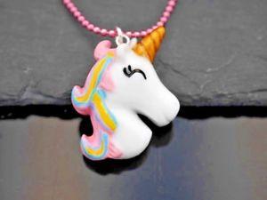 【送料無料】ネックレス ユニコーンポニーピンクカラーmagnifique collier avec licorne pendentif poney color rose
