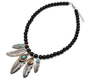 【送料無料】ネックレス メタルペンダントエスニックネックレスcc1456e collier perles noires avec pendentif plumes ethnique mtal vieilli