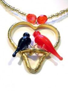【送料無料】ネックレス クリップcollier colombes cristal rouge et noir sur coeur