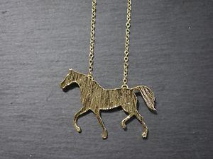 【送料無料】ネックレス ポニートレッキングツアーゴールデンカラーcollier avec chevaux pendentif poney tour horse dor