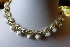 【送料無料】ネックレス ヴィンテージクリップcollier vintage en email et petites fleurs blanches