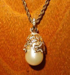 【送料無料】ネックレス ロシアエナメルクランプパールスワロフスキークリスタルoeuf pendentif russe authentique collier maill perle swarovski cristaux