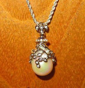 【送料無料】ネックレス ロシアペンダントネックレスエナメルシルバーパールスワロフスキーoeuf pendentif russe authentique collier maille argent swarovski perle