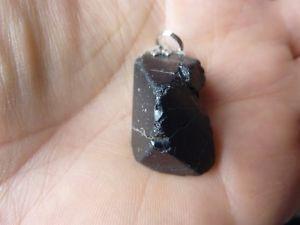 【送料無料】ネックレス ブラックスピネルpendentif protection spinelle noire 11,5 gr ref 1299