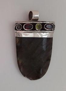 【送料無料】ネックレス シルバーペンダントオルヌガーネットペリドットagnes creations beau pendentif argent 925 orne grenat amp; peridot labradorite