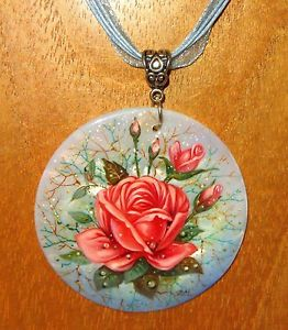 【送料無料】ネックレス ピンクペンダントハルコーラルピンクロシアpendentif rose coque rose corail vritable russe peint la main pakhomova
