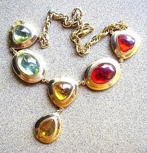 【送料無料】ネックレス メタルクランプドールガラスカボション1831 collier metal dore et cabochons en verre colore