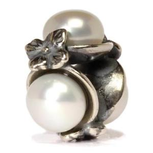 【送料無料】ネックレス トリプルパールホワイトペルラビアンカauthentic trollbead triple pearl, white tagbe00094 tripla perla bianca