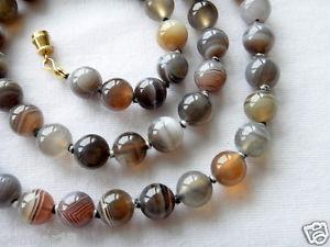 【送料無料】ネックレス ボツワナネックレスbotswana agate collier 8mm 61cm main nou 8 mm perles runis agate thrapeutique