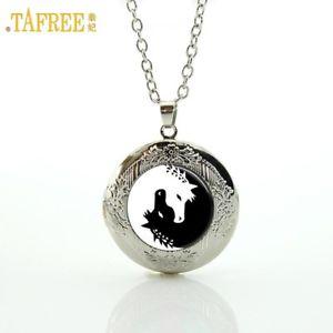 【送料無料】ネックレス ガラスカボションユニコーンペンダントネックレスas fr22219 yin yang verre cheval noir blanc cabochon licorne colliers pendentif