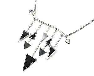 【送料無料】ネックレス ネックレスペンダントcc1668e collier plastron pendentif multibarres avec charms triangles simil