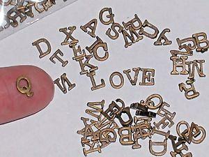 【送料無料】ネックレス パソコンアルファベットミニチュアフローティング26pc ensemble petit lettres alphabet flottant miniatures mots amour sagesse