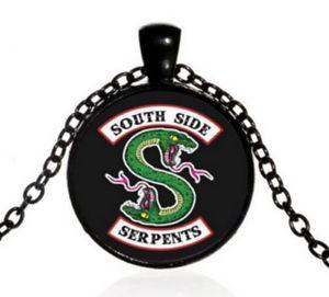 【送料無料】ネックレス ペンダントネックレスグリーンスネークサウスサイドcollier pendentif serpent vert south side, riverdale