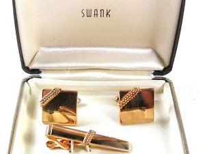 【送料無料】メンズアクセサリ― ビンテージカフスボタンボックスタイクラスプvintage goldtone cufflinks amp; tie clasp by swank in box 31816