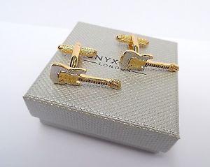【送料無料】メンズアクセサリ― ゴールドシルバーボックスギターカフオニキスアートリンクgold amp; silver electric guitar metal cuff links in a gift box by onyx art