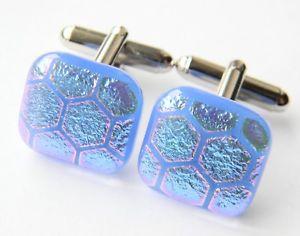 【送料無料】メンズアクセサリ― ダイクロイックガラスカフスボタンgenuine dichroic glass hand crafted cufflinks blue hexagon