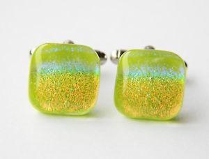 【送料無料】メンズアクセサリ― グラスカフスリンク スペクトルgenuine dichroic glass hand crafted cufflinks green spectrum