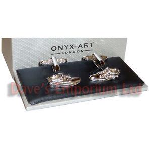 【送料無料】メンズアクセサリ― シマメノウカフスリンクカフスリンクbrogue shoes cufflinks by onyx art gift boxed cobbler shoemaker cuff links