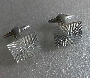 【送料無料】メンズアクセサリ― ビンテージメンズカフリンクスカットcufflinks vintage mens cuff links 1960s 1970s square cut silvertone metal