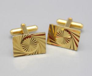 【送料無料】メンズアクセサリ― ビンテージゴールドメッキエンジンカフスボタンカフリンクスオンgents vintage gold plated engine turned rectangle cufflinks cuff links