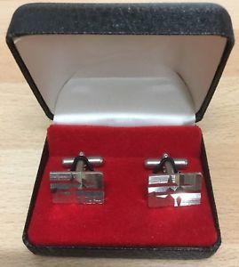 【送料無料】メンズアクセサリ― ステンレススチールミッドセンチュリーモダニズムカフスボタンボックスgents 1960s stainless steel mid century modernist cufflinks boxed ideal gift