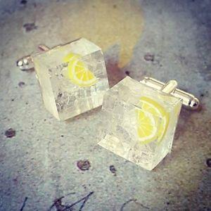 【送料無料】メンズアクセサリ― ユニークウォッカトニックカフスボタンアイススライスレモンunique vodka and tonic cufflinks resin mixed up dolly handmade ice slice lemon