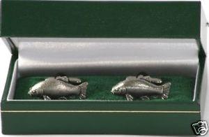 【送料無料】メンズアクセサリ― テンチシロメカフスリンクtench pewter cufflinks coarse fishing gift idea